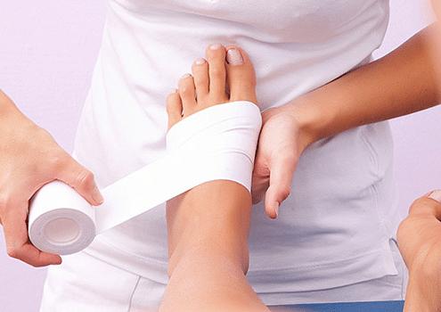 bendaggio_funzionale_taping1-495x350 Bendaggi Fisioterapici