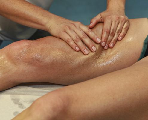 massaggio-sportivo-decontratturante-495x400 Massoterapia Napoli