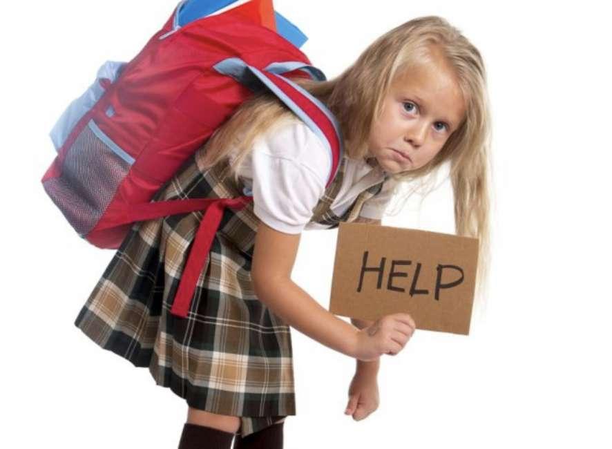 mal-di-schiena-nei-bambini Mal di schiena nei bambini: consigli per prevenirlo
